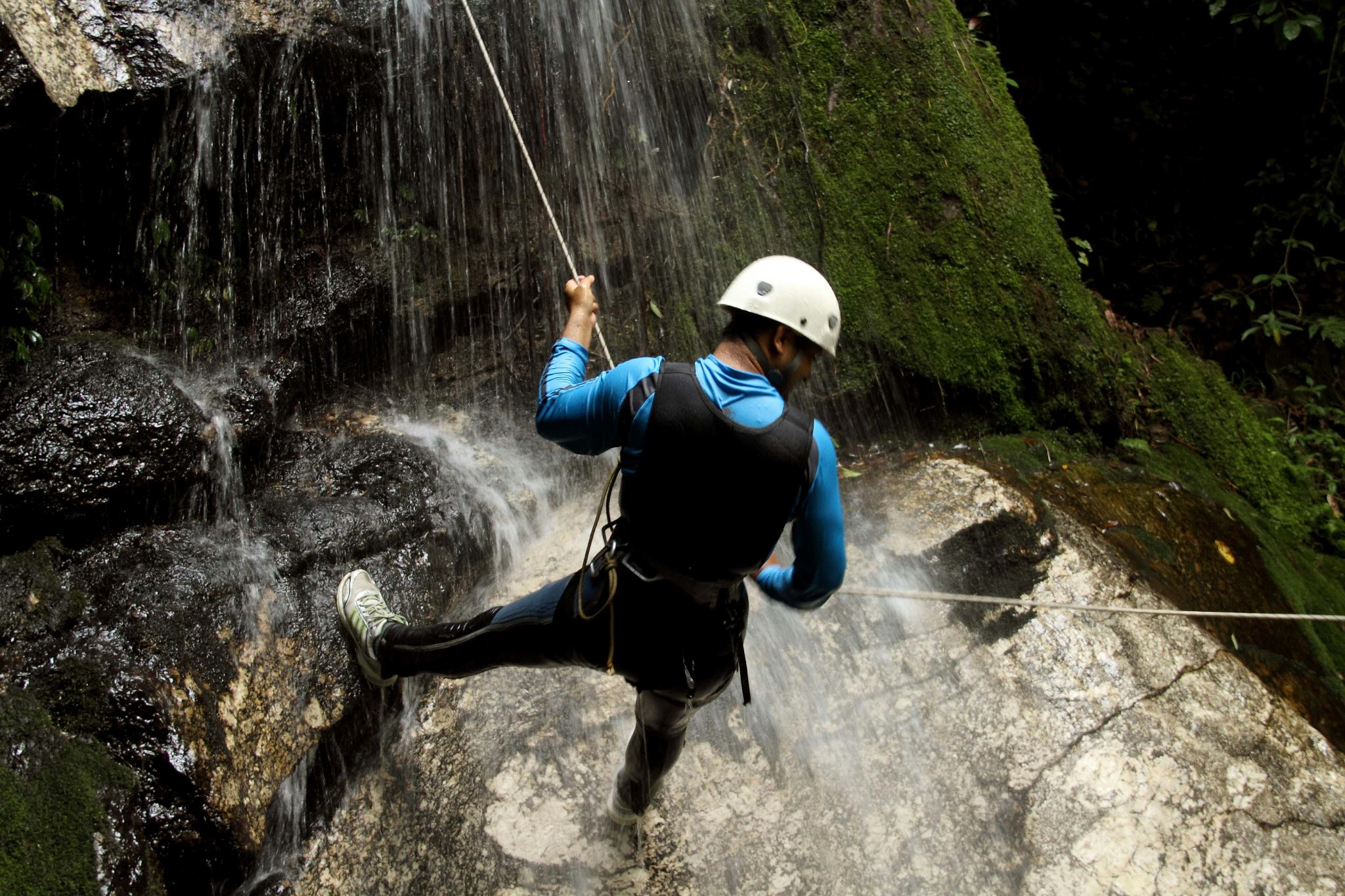 CANYONING IN BHOTEKOSHI